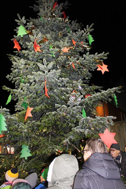 Wann Weihnachtsbaum Aufstellen.2015 Aufstellen Des Weihnachtsbaumes Bürgerbataillon Neesen E V