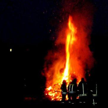 2013 Osterfeuer der Zwoten